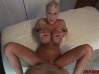 Puma Swede Gives Her Client Much MUCH More Than Just a Massage!
