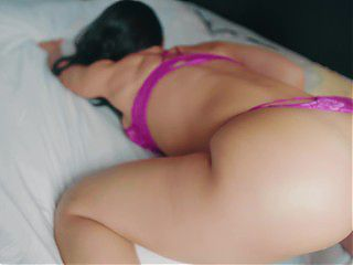 Amateur model gets a surprise during her photoshoot - 4K